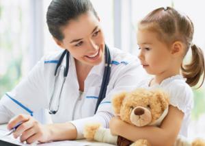 doctora y niña
