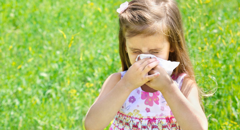 Alergias de Primavera en Niños: Aprenda Todo Sobre la Rinitis y el Asma