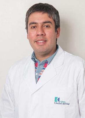 Dr. Cristián Vergara</br>Reumatólogo